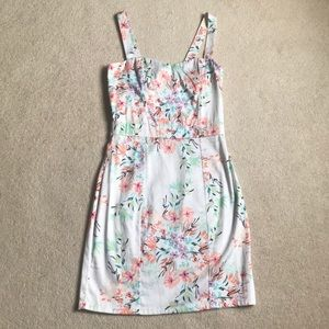 White floral sweetheart neckline dress